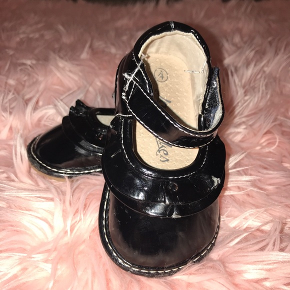 7539c9875a Lanie Cakes Squaker Shoes in Black Patton Leather.  M 5acecd0161ca10ae5b491934